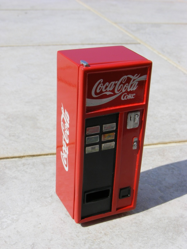 Distributeur de coca Cola1710