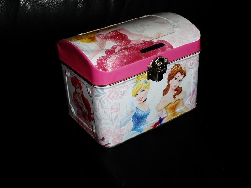 Nos trouvailles Disney dans les vide-greniers - Page 20 Dsc04611