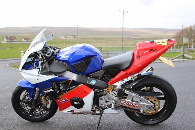 Honda FireBlade Track Bike 11705310