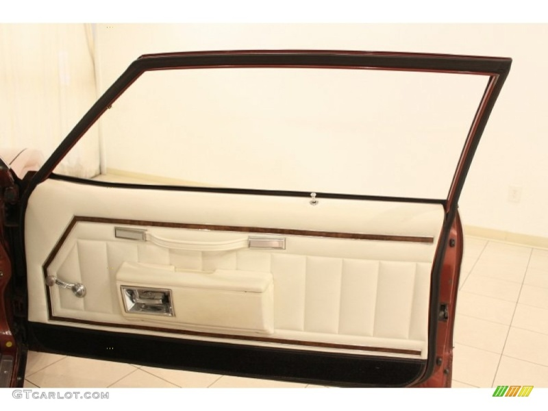 Seats and door panels for 1977 caprice 62256910