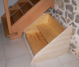 Quelques meubles en trois-plis Meuble13