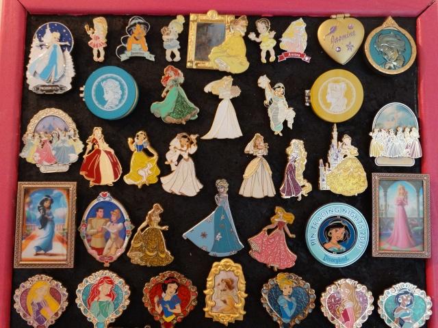 Le Pin Trading à Disneyland Paris - Page 6 Dsc01316