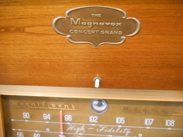 Restoration of a Magnavox Concert Grand model 1ST800F - Page 5 00212
