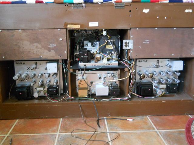 Restoration of a Magnavox Concert Grand model 1ST800F - Page 3 00310