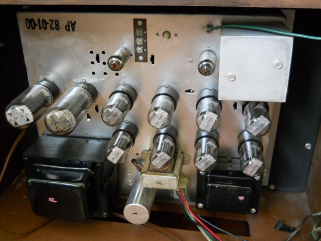 Restoration of a Magnavox Concert Grand model 1ST800F - Page 3 00410