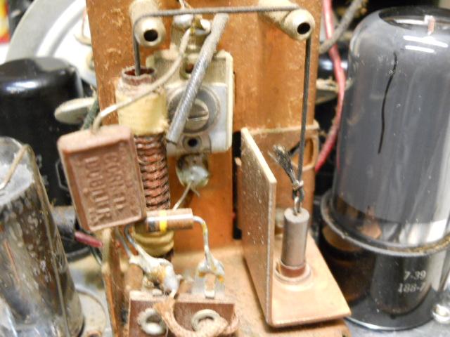 General Electric model 50 TRF clock radio 00512