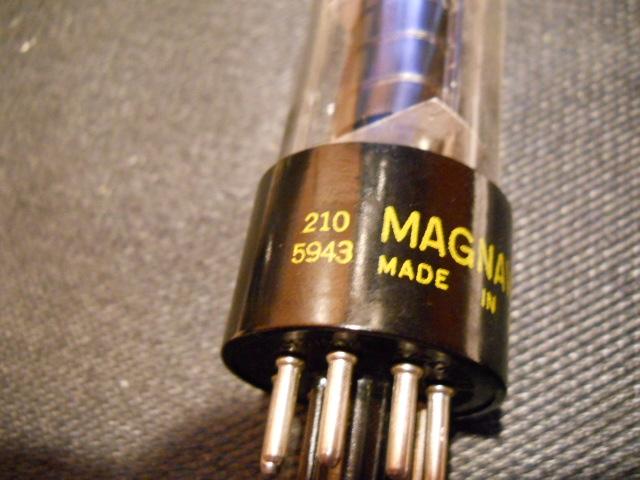 Restoration of a Magnavox Concert Grand model 1ST800F - Page 3 00910