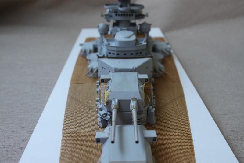 Vom Fahr-zum Standmodell - Amati Bismarck Img_2943
