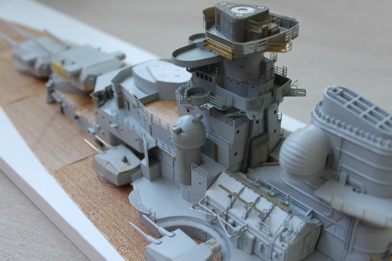 Vom Fahr-zum Standmodell - Amati Bismarck Img_2946