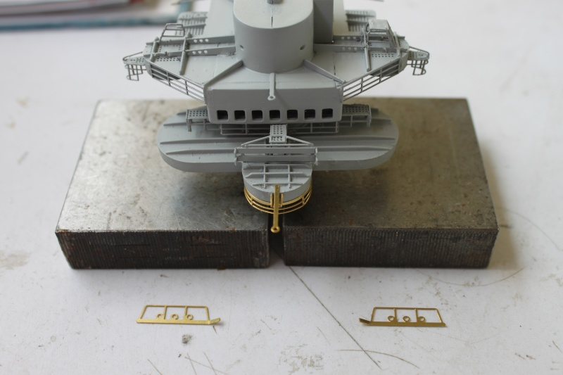 Vom Fahr-zum Standmodell - Amati Bismarck Img_2954