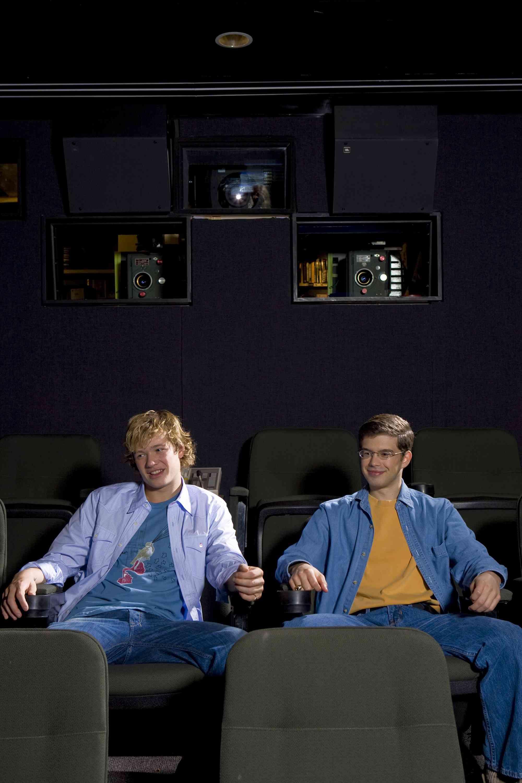Ed Speleers - USA WE Mag 8 Dec 2006 Usawee10