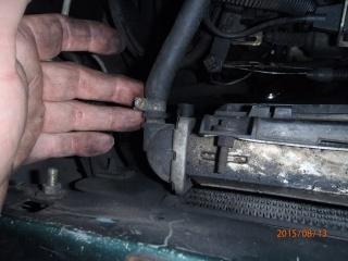 Remplacement du radiateur de refroidissement sur S2 2.5 TD. P8130015