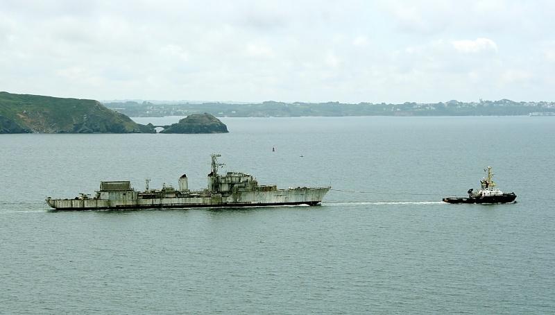 [Autre sujet Marine Nationale] Démantèlement, déconstruction des navires - TOME 2 - Page 4 Multra11