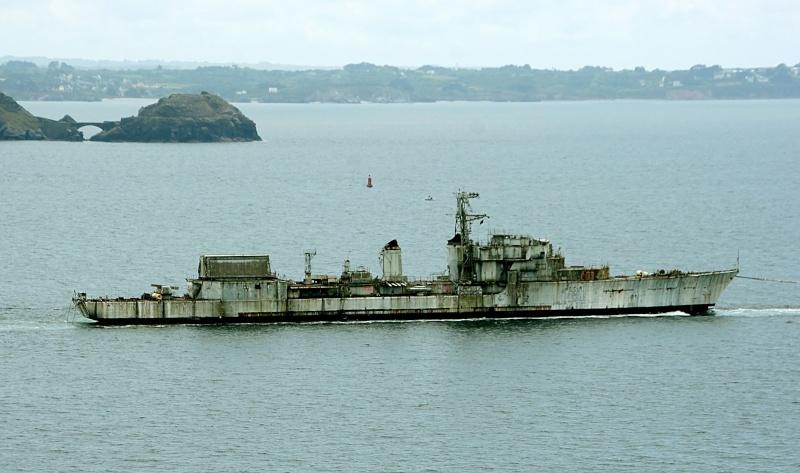 [Autre sujet Marine Nationale] Démantèlement, déconstruction des navires - TOME 2 - Page 4 Q682_e10