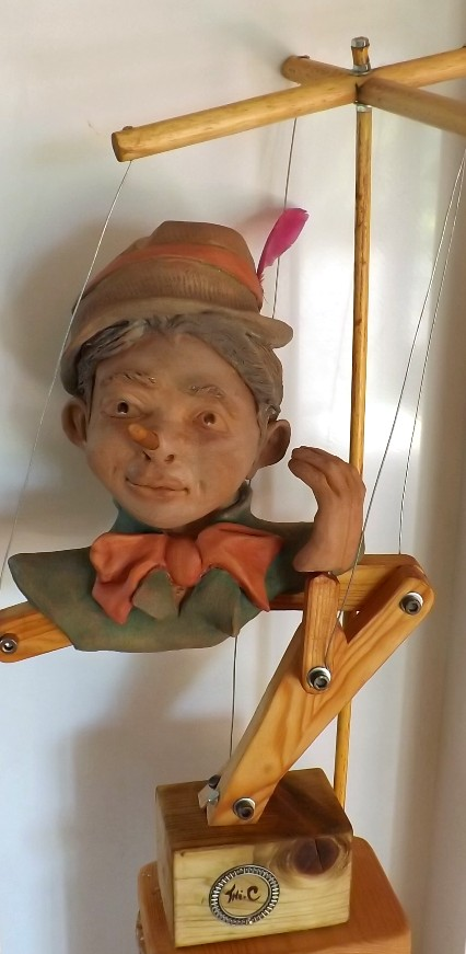 """""""Pinocchio""""  Pas a pas en temps réel... 02410"""
