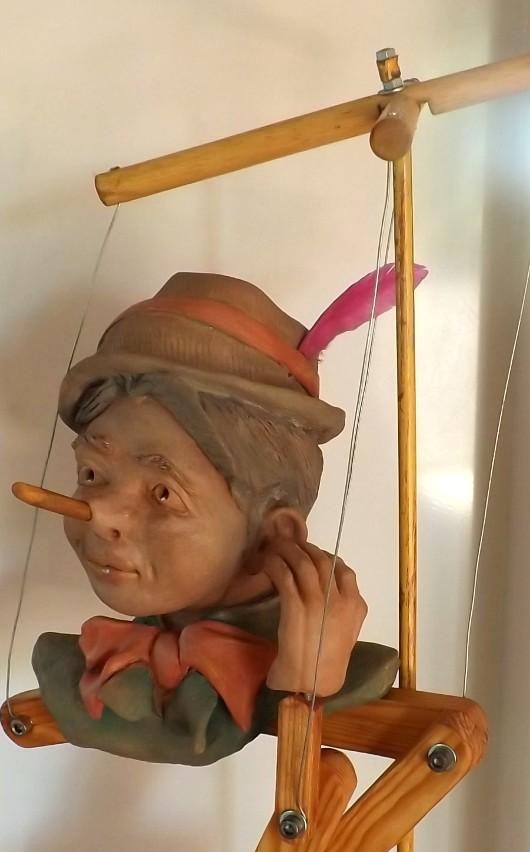 """""""Pinocchio""""  Pas a pas en temps réel... 02610"""