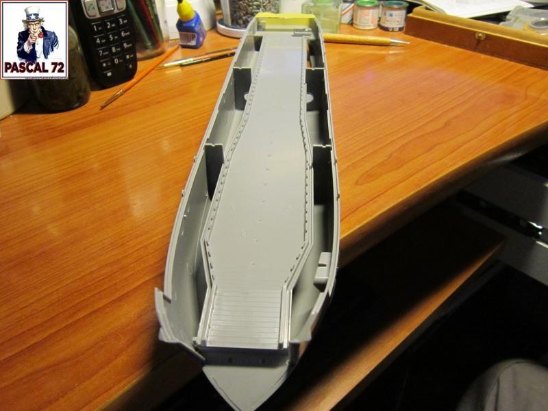 U.S. Navy Landing Ship Médium (Early) au 1/144 par pascal 72 de Revell Img_4023
