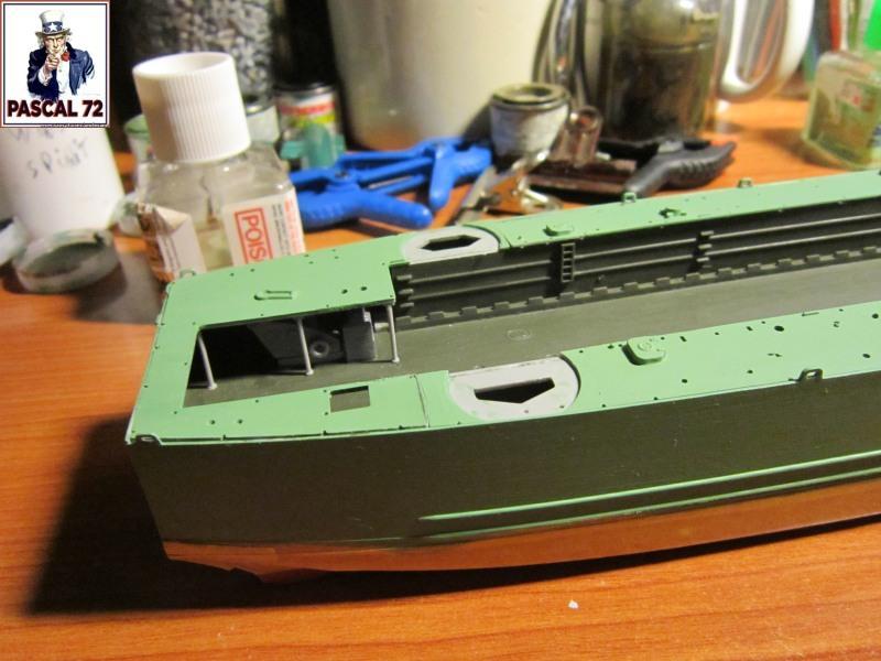 U.S. Navy Landing Ship Médium (Early) au 1/144 par pascal 72 de Revell Img_4140