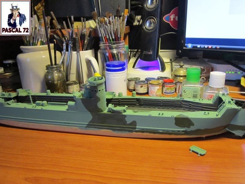 U.S. Navy Landing Ship Médium (Early) au 1/144 par pascal 72 de Revell Img_4239