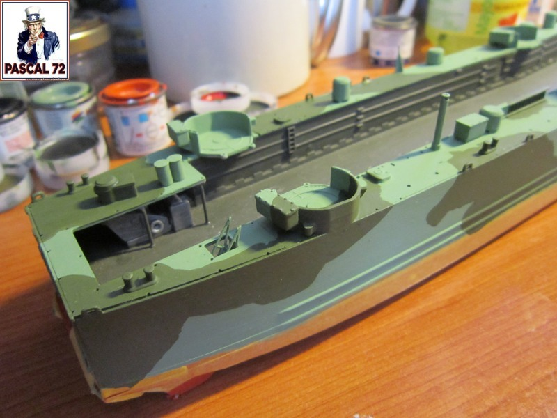 U.S. Navy Landing Ship Médium (Early) au 1/144 par pascal 72 de Revell Img_4244