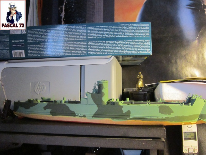 U.S. Navy Landing Ship Médium (Early) au 1/144 par pascal 72 de Revell Img_4245
