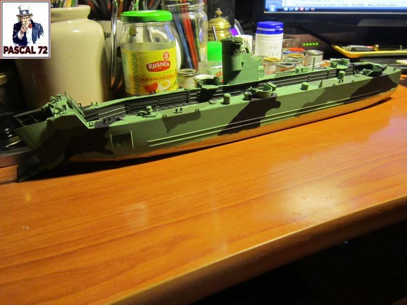U.S. Navy Landing Ship Médium (Early) au 1/144 par pascal 72 de Revell Img_4252