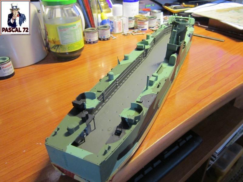 U.S. Navy Landing Ship Médium (Early) au 1/144 par pascal 72 de Revell Img_4259
