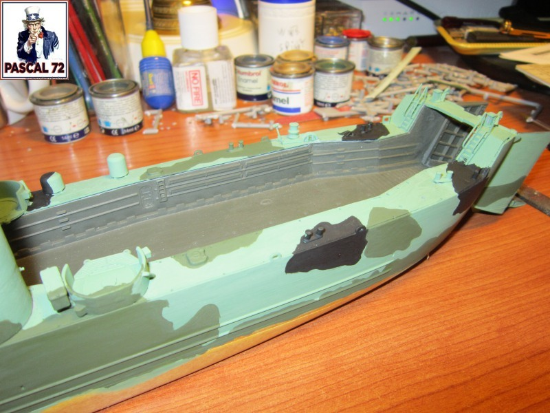 U.S. Navy Landing Ship Médium (Early) au 1/144 par pascal 72 de Revell Img_4260