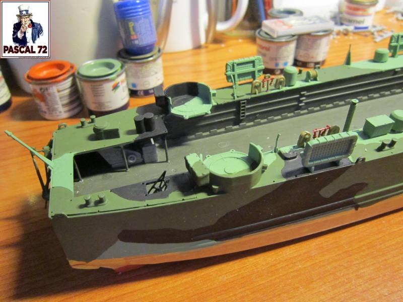 U.S. Navy Landing Ship Médium (Early) au 1/144 par pascal 72 de Revell Img_4270