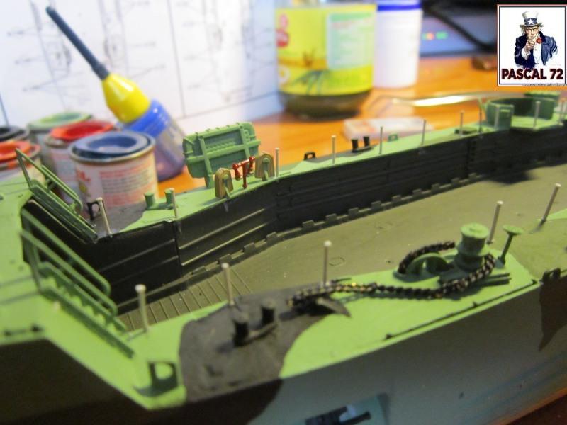 U.S. Navy Landing Ship Médium (Early) au 1/144 par pascal 72 de Revell Img_4275