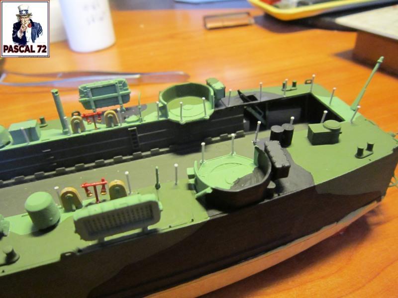 U.S. Navy Landing Ship Médium (Early) au 1/144 par pascal 72 de Revell Img_4276