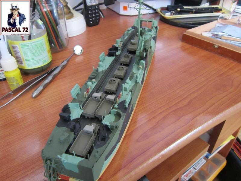 U.S. Navy Landing Ship Médium (Early) au 1/144 par pascal 72 de Revell Img_4322