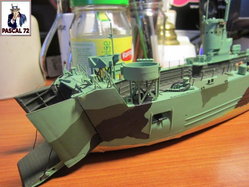 U.S. Navy Landing Ship Médium (Early) au 1/144 par pascal 72 de Revell - Page 2 Img_4336