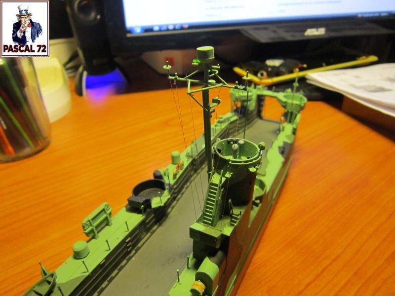 U.S. Navy Landing Ship Médium (Early) au 1/144 par pascal 72 de Revell - Page 2 Img_4341