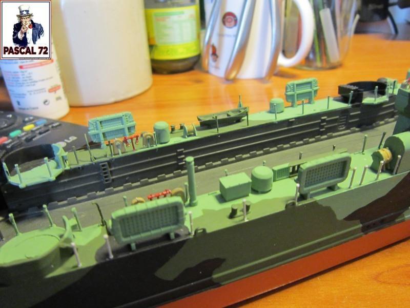 U.S. Navy Landing Ship Médium (Early) au 1/144 par pascal 72 de Revell - Page 2 Img_4346
