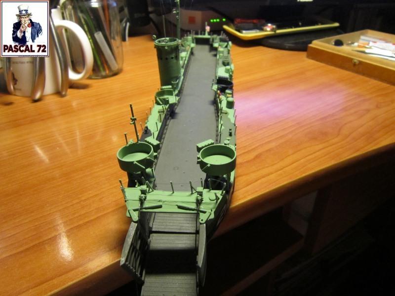 U.S. Navy Landing Ship Médium (Early) au 1/144 par pascal 72 de Revell - Page 2 Img_4348