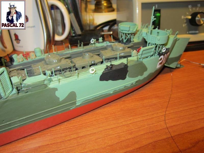 U.S. Navy Landing Ship Médium (Early) au 1/144 par pascal 72 de Revell - Page 2 Img_4353