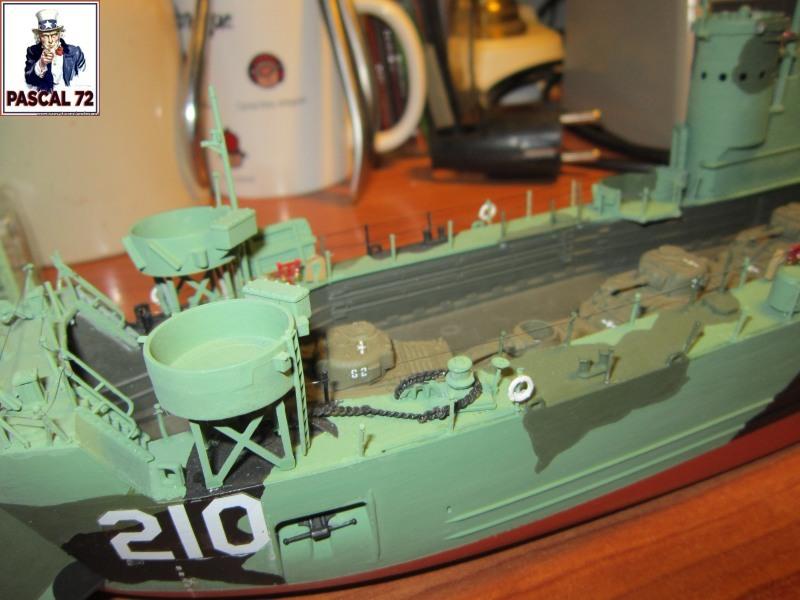 U.S. Navy Landing Ship Médium (Early) au 1/144 par pascal 72 de Revell - Page 2 Img_4355