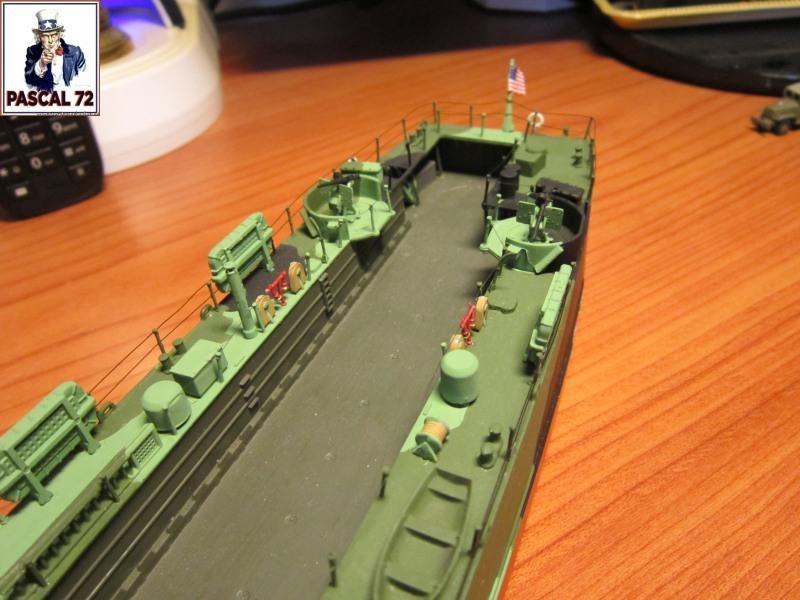 U.S. Navy Landing Ship Médium (Early) au 1/144 par pascal 72 de Revell - Page 2 Img_4414