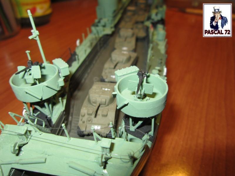 U.S. Navy Landing Ship Médium (Early) au 1/144 par pascal 72 de Revell - Page 2 Img_4416