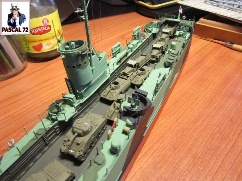 U.S. Navy Landing Ship Médium (Early) au 1/144 par pascal 72 de Revell - Page 2 Img_4417