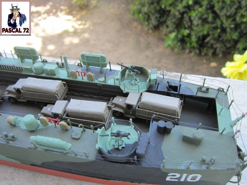 U.S. Navy Landing Ship Médium (Early) au 1/144 par pascal 72 de Revell Img_4515