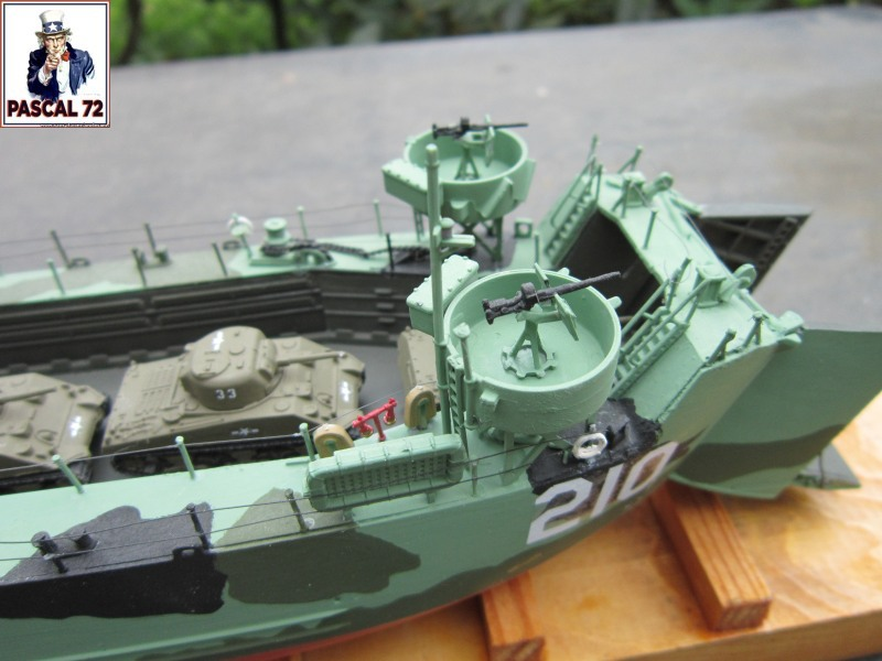 U.S. Navy Landing Ship Médium (Early) au 1/144 par pascal 72 de Revell Img_4972
