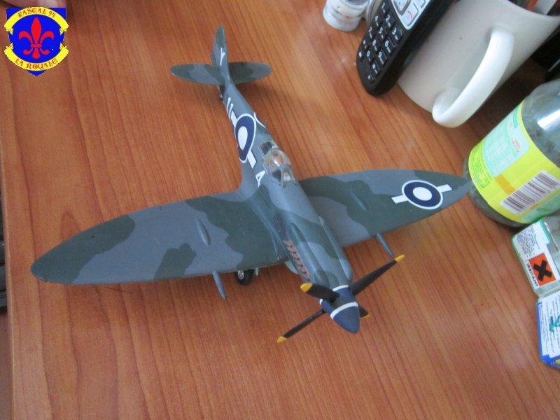 Supermarine Seafire F MK. XV de Revell au 1/48 par Pascal 94 - Page 6 Img_5111