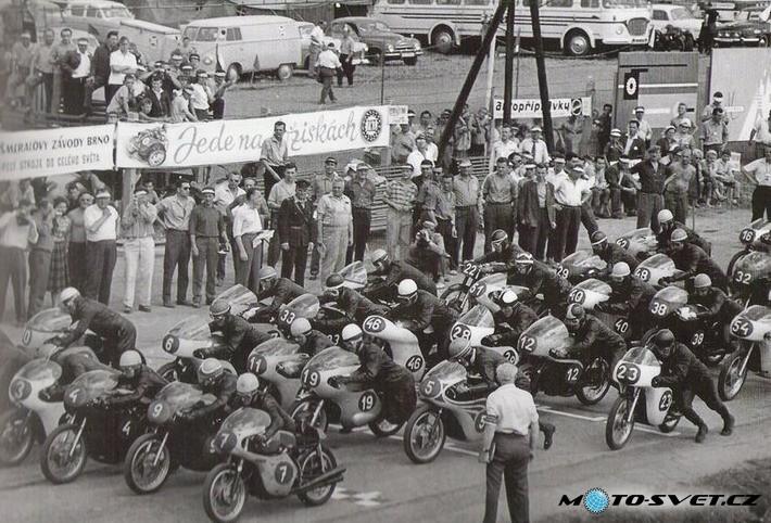 [Oldies] GP de Brno, avant.... - Page 5 Brno_s10