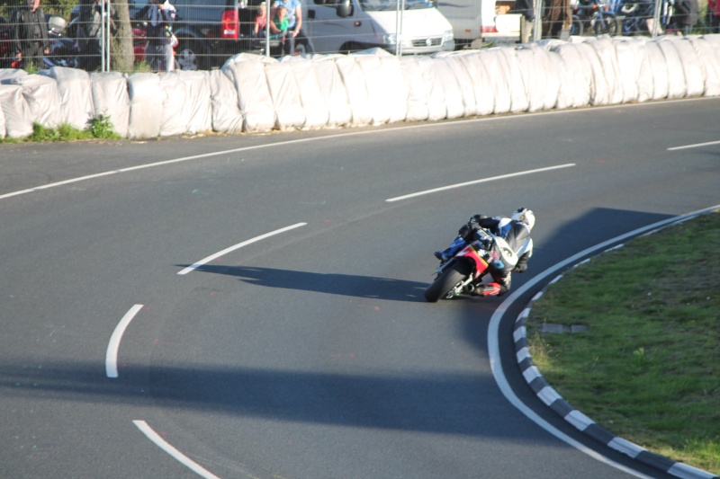 [Road Racing] Classic TT-Manx GP 2015 - Page 3 Img_5311