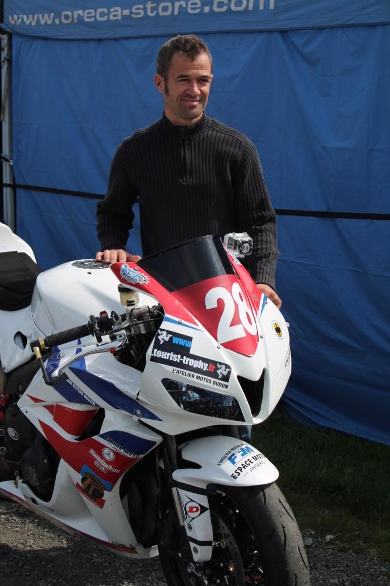 [Road Racing] Classic TT-Manx GP 2015 - Page 4 Img_5326