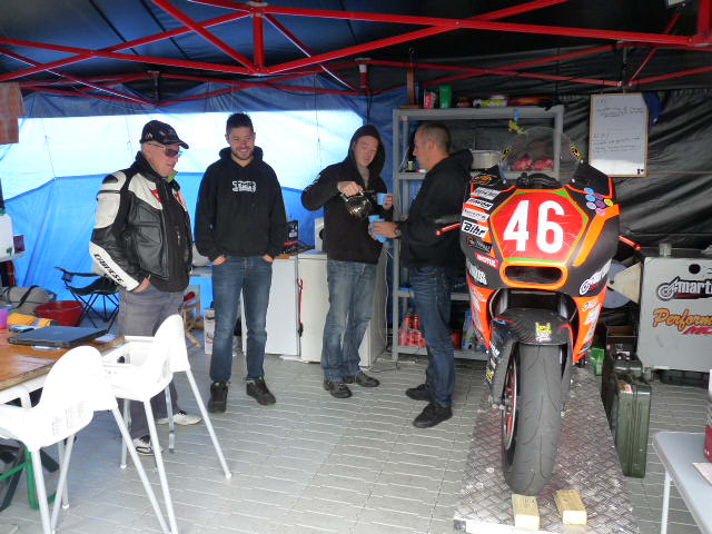 [Road Racing] Classic TT-Manx GP 2015 - Page 3 P1060613
