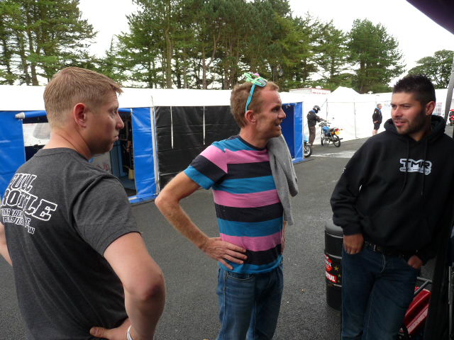 [Road Racing] Classic TT-Manx GP 2015 - Page 3 P1060614