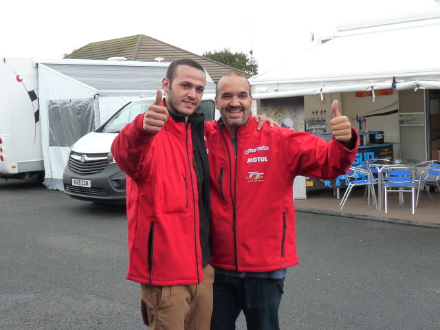 [Road Racing] Classic TT-Manx GP 2015 - Page 3 P1060616